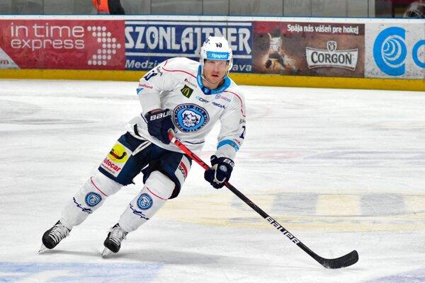 Kale Kerbashian slúži HK Nitra od októbra 2018. Za 63 zápasov stihol dať 21 gólov a na 28 prihrať. Málo kreatívnejších hokejistov korčuľuje po slovenských klziskách.