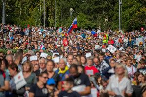 Na Národný pochod za život prišli desaťtisíce ľudí.