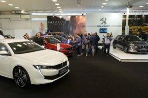 Vystavovatelia predstavia 30 automobilových značiek s 35 novinkami, výstavné premiéry, súťaže, tuningové autá i veterány.