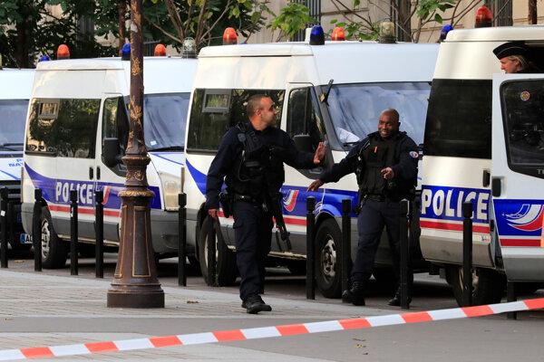 Francúz zabil na policajnej stanici štyroch svojich kolegov.