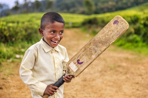 Kríket hrajú na Srí Lanke malí aj veľkí