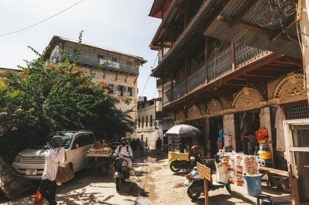 Starobylé mesto Stone Town je do dnes plné života a ruchu.