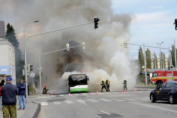 Horiaci autobus.