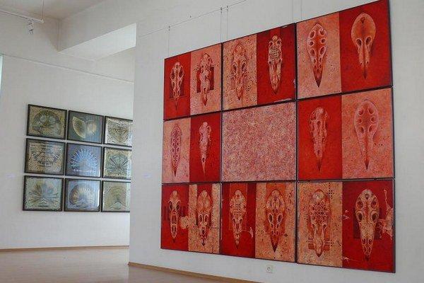 Výstava Karola Félixa s názvom Mantra.