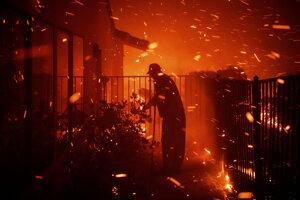 Požiar v okolí Los Angeles.