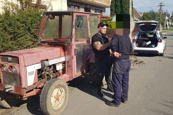 Kontrola traktoristu.