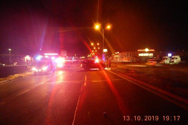 Nehoda sa udiala vo večerných hodinách.