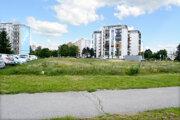 Developer plánuje na zelenej ploche bytovku, miestni sú proti. Chcú park.