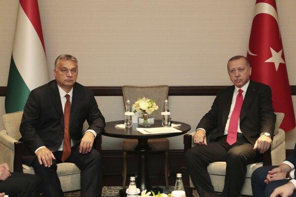 Orbán s Erdoganom na pondelkovom stretnutí.