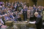 Britský premiér Boris Johnson v parlamente.