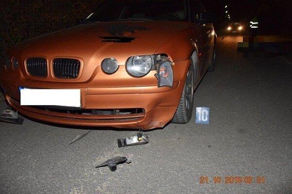 Alkohol u vodiča zistený nebol. Či bol chodec pod jeho vplyvom, polícia zisťuje.