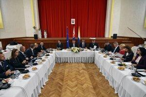 Výjazdové rokovanie vlády SR v Sobranciach.