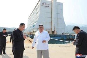 Kim Čong-un v rezorte Diamantové hory.