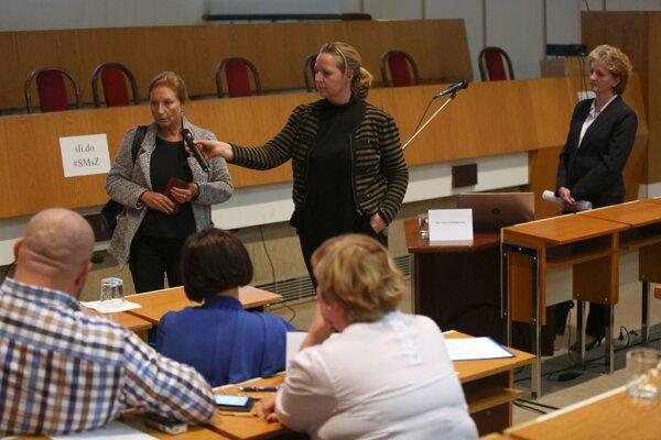 Záverečnou fázou výberových konaní bolo verejné vypočutie kandidátov.
