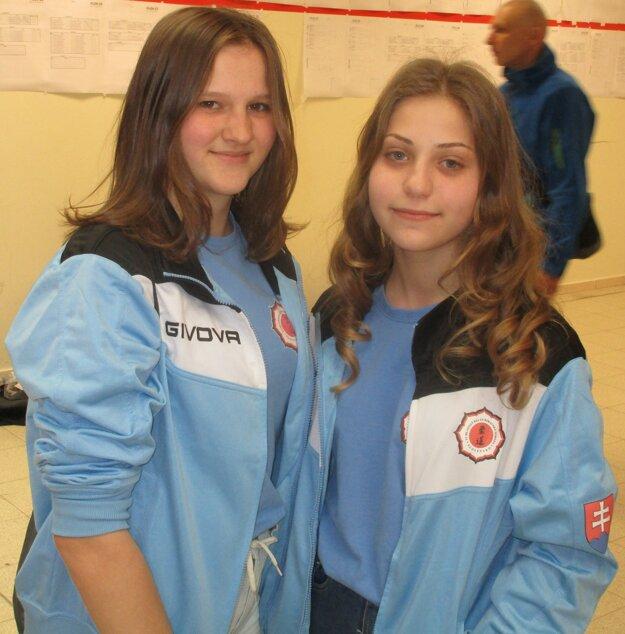 Medailistky Bolda Zonga Sztankovics (vľavo) a Bronislava Škorňová.