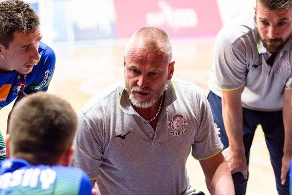 Richard Nemec už nie je trénerom volejbalistov Prievidze.