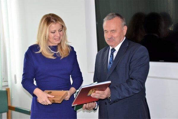 Prezidentka dostala od primátora Jána Danka knihy o Martine a kľúče od mesta.