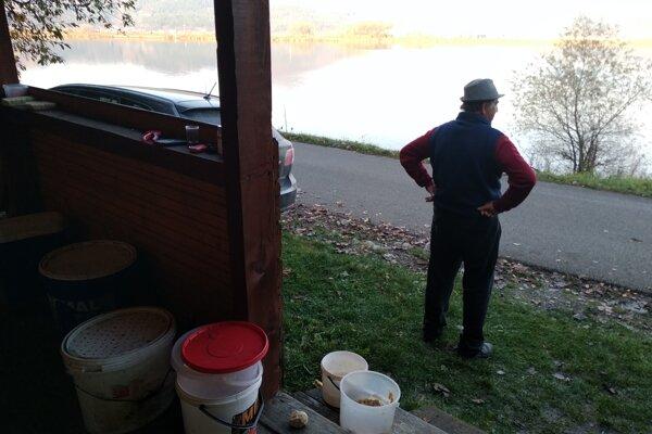 Rybárska chatka na brehu Vodného diela Žilina