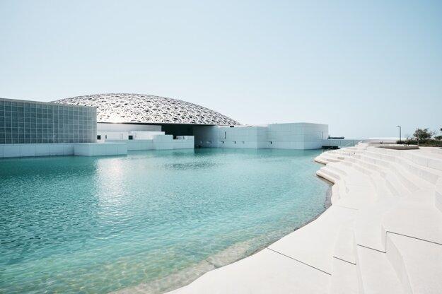 Budova Louvre v Abu Dhabi