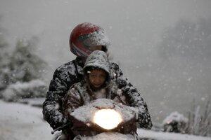 Husté sneženie v Kašmíre.