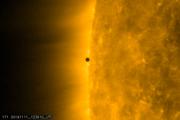 Vstup Merkúru pred Slnko. Označuje sa tak moment, keď sa prechádzajúca planéta prvýkrát dotkne okraju Slnka.