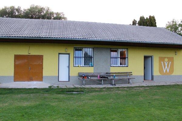 Budova futbalového štadióna v Sobotišti.