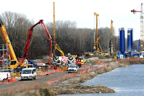 Výstavba D4 a R7. Jarovce, január 2019.