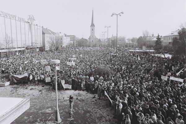 November 1989 v Nových Zámkoch