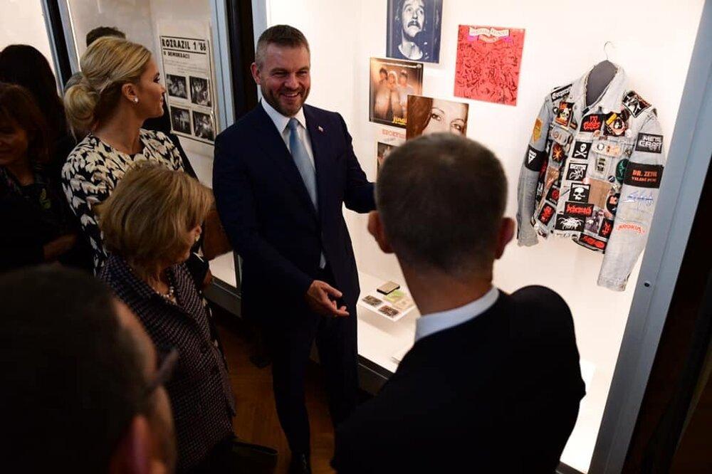 Pellegrini si pripomenul 30. výročie Nežnej revolúcie aj v Prahe na slávnostnom programe v Národnom múzeu.