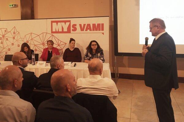 Prvým rečníkom bol nitiransky župan Milan Belica.