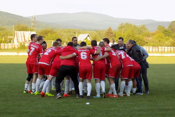 V minulej sezóne oslavovali Budkovce okrem víťazstva v lige aj víťazstvo v Pohári predsedu ObFZ Michalovce.