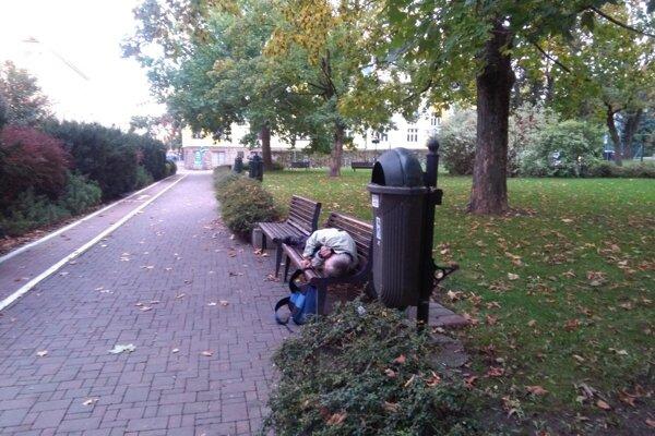 Predpokladajú, že v meste je približne 250 bezdomovcov.