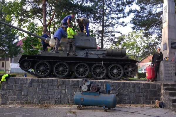 Práce na obnove tanku trvali takmer mesiac.