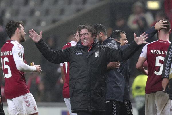 Kouč tímu Sporting Braga Ricardo Sá Pinto sa raduje z postupu.