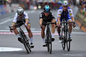 Boj o víťazstvo na Miláno - San Remo 2017 medzi Petrom Saganom, Michalom Kwiatkowskim a Julianom Alaphilippom.