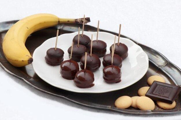 Banánovo - piškótové jednohubky v čokoláde