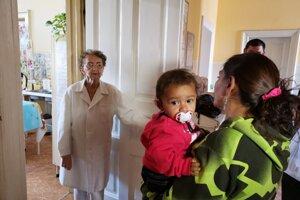 Pediatrička svoju prácu robí s láskou a zanietením.