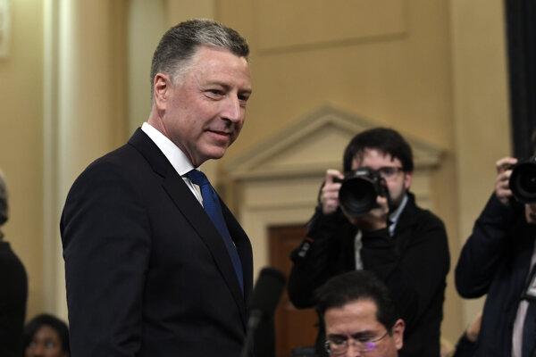 Bývalý osobitný predstaviteľ USA pre Ukrajinu Kurt Volker vypovedal v Kongrese v procese obžaloby Donalda Trumpa.