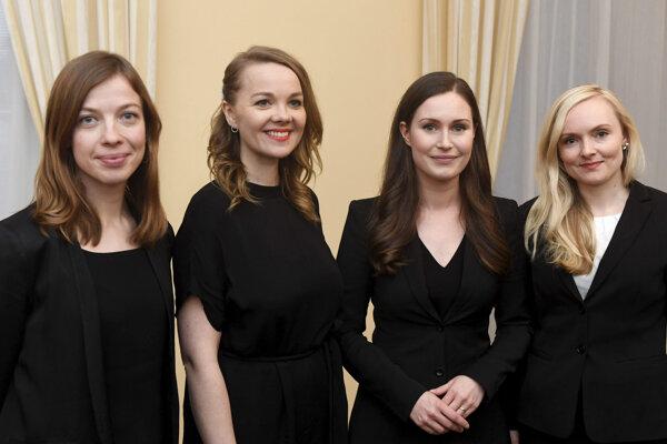Ministerka financií Katri Kulmuni (druhá zľava).
