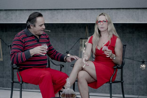 S Jozefom Vajdom v trileri Sviňa podľa románu Arpáda Soltésza. Film príde do kín v budúcom roku.
