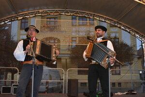 Kysuckí zbojníci Emil a Janko so vzácnymi heligónkami