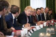 Johnson v utorok viedol prvé povolebné zasadnutie vlády.