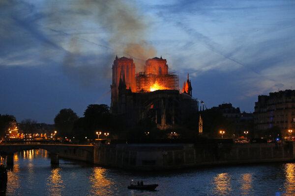Gotická katedrála Notre-Dame patrila medzi najpopulárnejšie turistické miesta v celom Francúzsku.