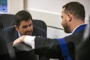 Marian Kočner a jeho advokát Marek Para počas súdu v kauze zmenky.