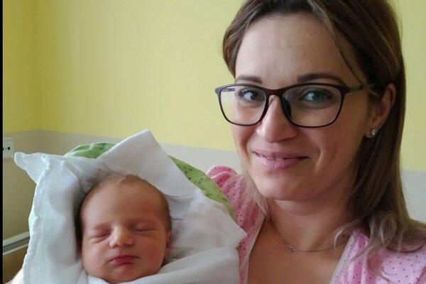 Prvý Oravec roku 2020 Patrik Paľa z Čimhovej s mamou Luciou.