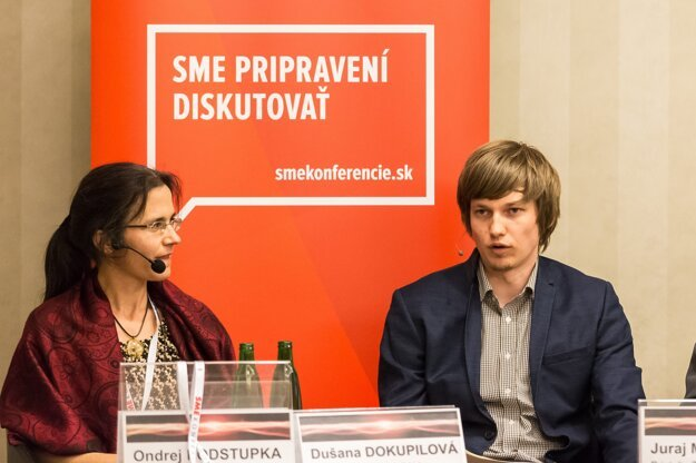 Výskumníčka Dušana Dokupilová a odborník na nízkouhlíkovú ekonomiku Juraj Melichár.