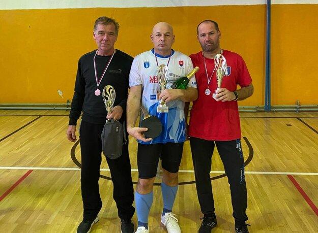 Najlepší traja v skupine B v Ludaniciach.