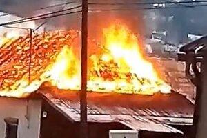 Oheň nedal streche žiadnu šancu.
