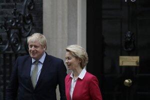 Johnson a Leyenová na Downing Street 10.