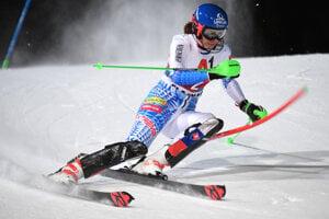 Petra Vlhová počas prvého kola slalomu vo Flachau.